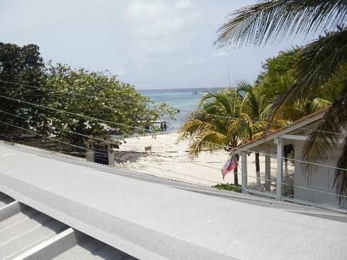 VISTA DESDE POSADA EL REPOSO: Casas de estilo mediterraneo por DIBUPROY
