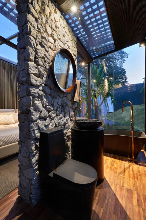modern Houses by Cristina Menezes Arquitetura
