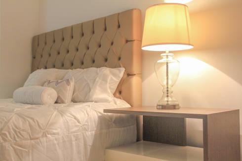 Habitación clasica: Habitaciones de estilo clásico por Monica Saravia