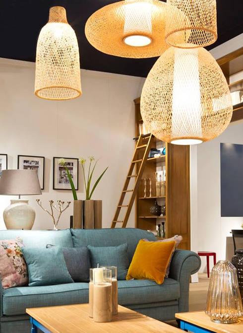 DETALLES GRANGE : Salas de estilo moderno por Grange México