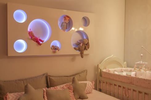 Habitación Maria Lucia : Habitaciones infantiles de estilo  por Monica Saravia