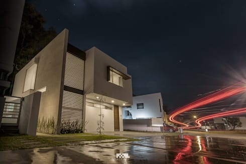 Solares 132: Casas de estilo moderno por 2M Arquitectura