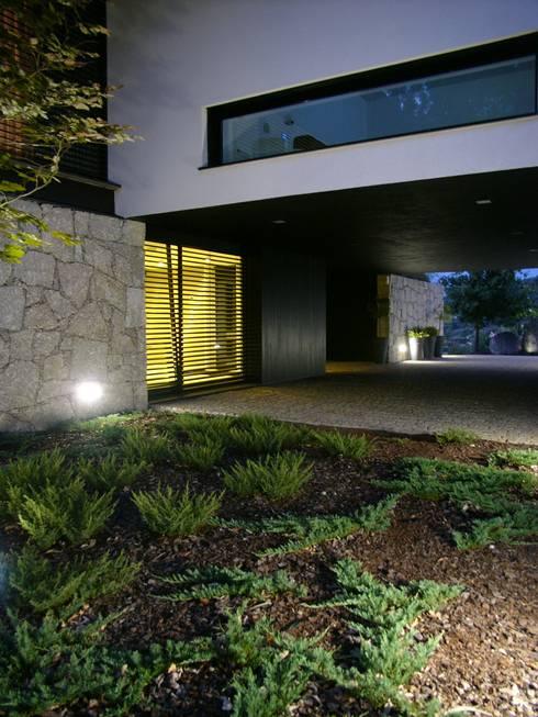 HABITAÇÃO DF: Jardins minimalistas por ARTEQUITECTOS
