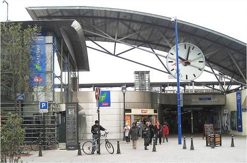 SNCF Asnieres - França: Janelas   por BauStahl, Lda