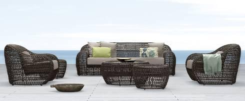 peças de mobiliário: Varanda, marquise e terraço  por Nuance Home Design