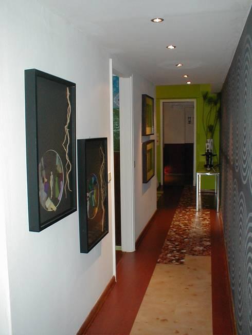 CASA DECOR 2004 -Estoril Sol: Corredores e halls de entrada  por Atelier  Ana Leonor Rocha