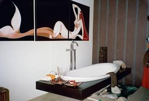 CASA DECOR 2006 .Faro: Casas de banho ecléticas por Atelier  Ana Leonor Rocha