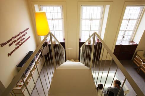 Cimo da Escada: Locais de eventos  por Atelier 405 \ 405 architects