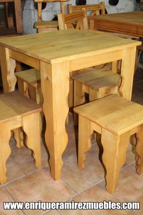 Mesas de madera maciza de Enrique Ramirez Muebles artesanales | homify