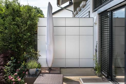 design garten terrassenschrank win weterfest uv. Black Bedroom Furniture Sets. Home Design Ideas
