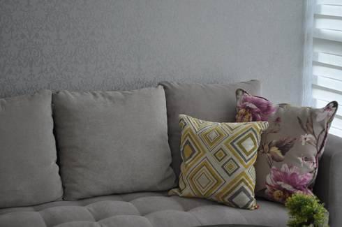 Casa Giralda: Salas de estilo moderno por Dovela Interiorismo