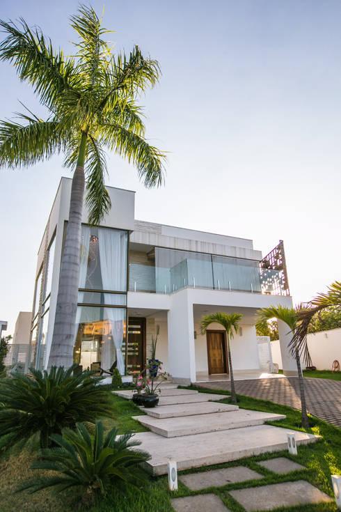 Casas de estilo  por KAMPAI ARQUITETURA