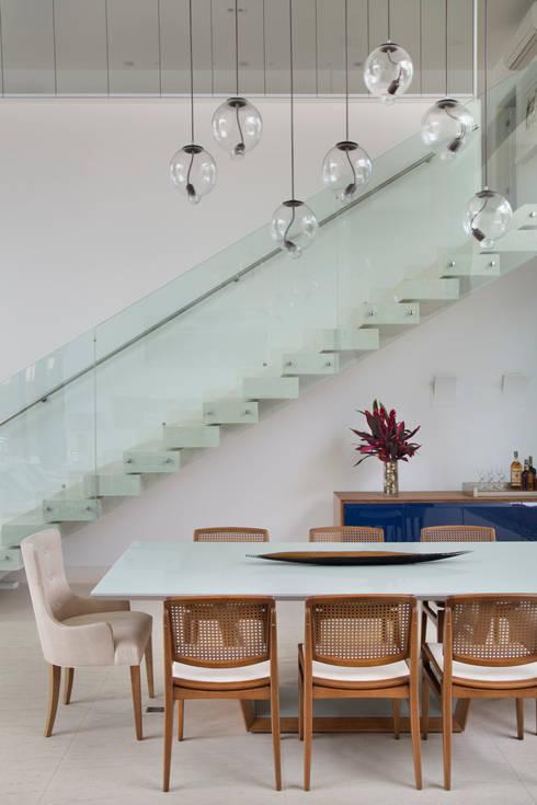Comedores de estilo  por Amanda Miranda Arquitetura