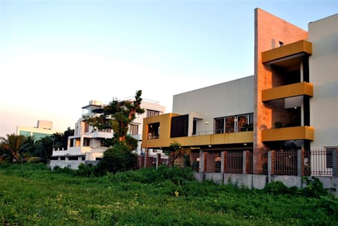 Living Bridge Balcony:   by DeFACTO Architects