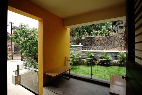 Entrance Verandah:   by DeFACTO Architects