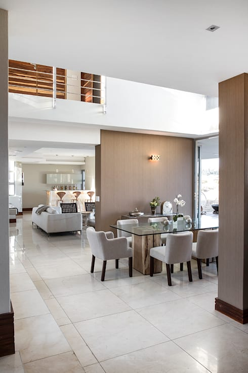 Dining room by FRANCOIS MARAIS ARCHITECTS