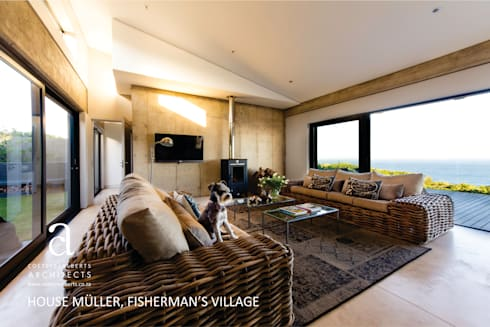 House Meuller: modern Living room by Coetzee Alberts Architects