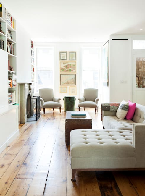 Brooklyn Brownstone:  Living room by Lorraine Bonaventura Architect