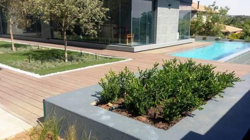 The Wilds Estate: modern Garden by Gorgeous Gardens