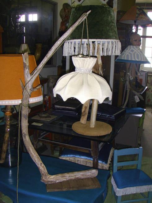 Candeeiro suspenso em madeira: Casa  por Second Life