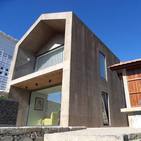 Conjunto HC: Casas ecléticas por Luís Duarte Pacheco - Arquitecto
