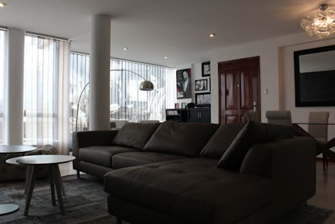 Sala: Salas / recibidores de estilo minimalista por Soluciones Técnicas y de Arquitectura