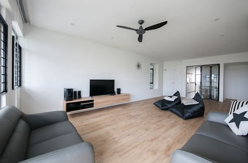 FERNWOOD TOWERS: scandinavian Living room by Eightytwo Pte Ltd