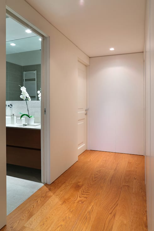 stile in bianco: Bagno in stile  di studio ferlazzo natoli