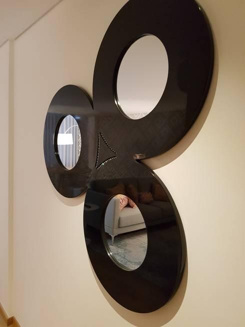 Corredor Depois:   por Alma Braguesa Furniture