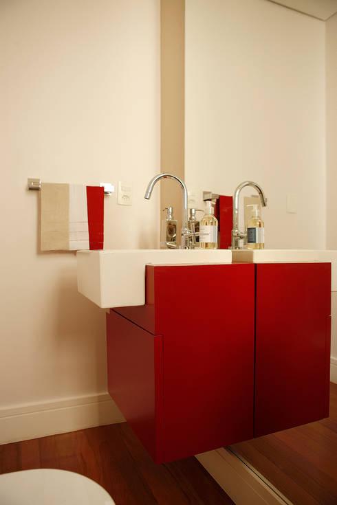 Apartamento Pinheiros: Banheiros  por Nice De Cara Arquitetura
