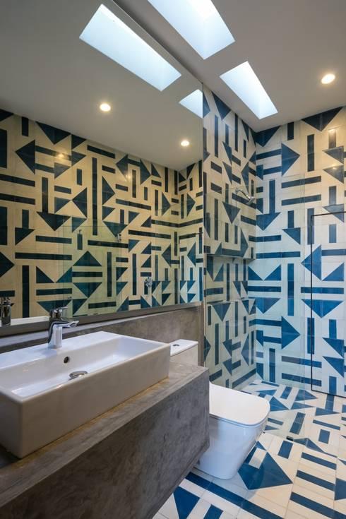 CASA WIP: Casas de estilo  por Trama Arquitectos