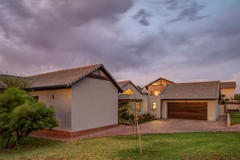 Street Elevation: modern Houses by OLIVEHILL Architects