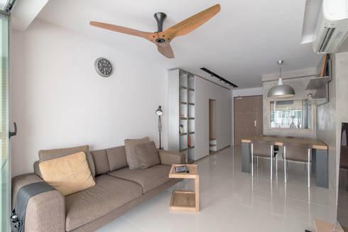 PARKLAND RESIDENCES: scandinavian Living room by Eightytwo Pte Ltd