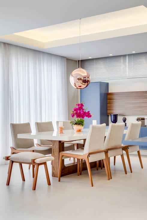 ห้องทานข้าว by Angelica Pecego Arquitetura