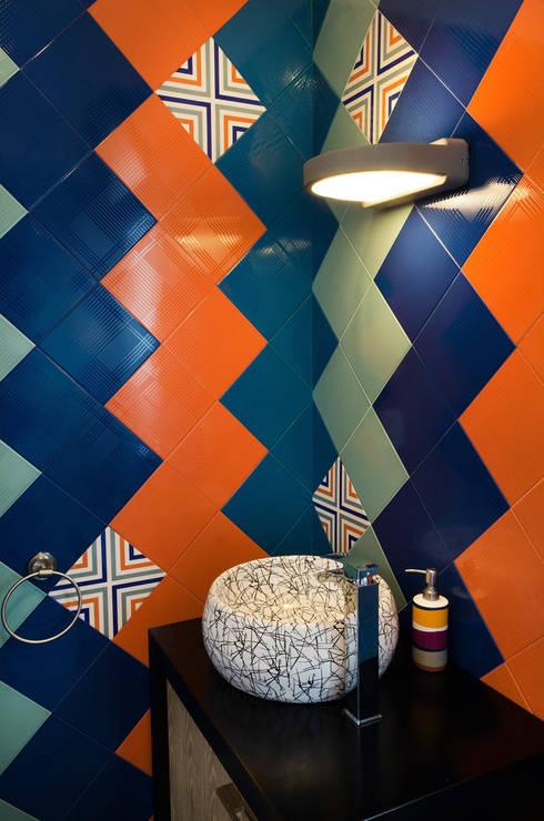 Baños de estilo  por VMArquitectura