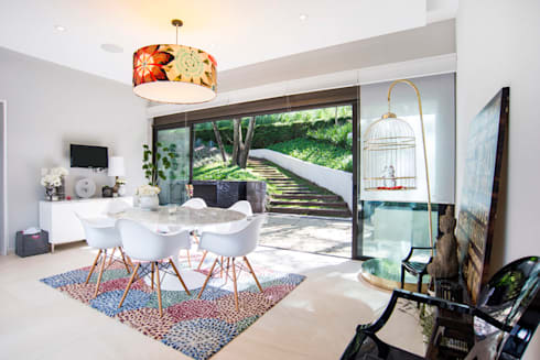 Paseo 82: Salas de estilo moderno por Sobrado + Ugalde Arquitectos