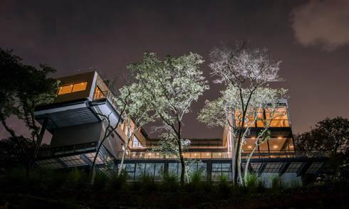 Real de Hacienda : Terrazas de estilo  por Sobrado + Ugalde Arquitectos