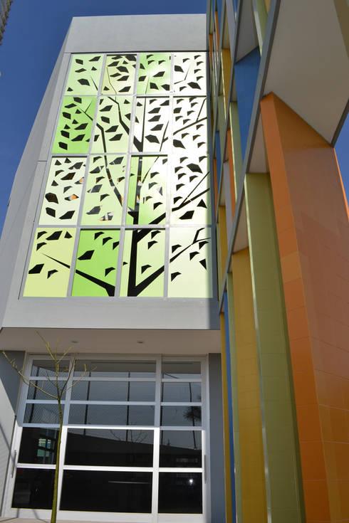 Biblioteca Kipling CECAT - VMArquitectura: Casas de estilo moderno por VMArquitectura