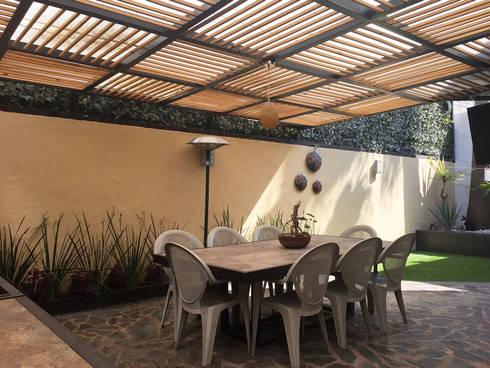 CASA VIMA: Jardines de estilo moderno por AMG Arquitectura Integral