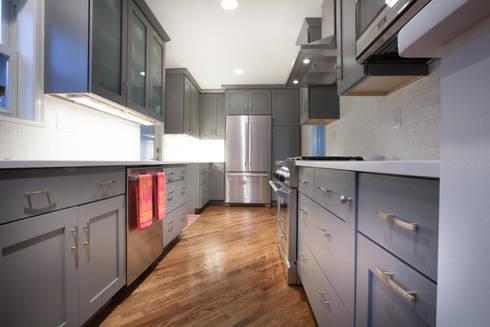 Kitchen remodel: modern Kitchen by RedBird ReDesign