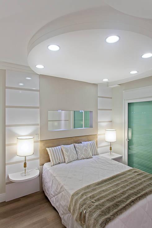 Recámaras de estilo moderno por Arquiteto Aquiles Nícolas Kílaris