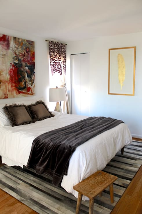 Bright and Eclectic Foggy Bottom Apartment: eclectic Bedroom by NAFASI