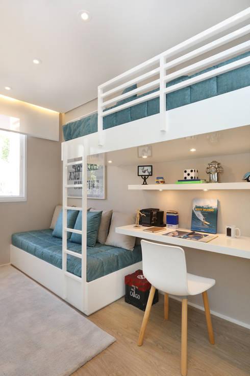 Dormitorios infantiles de estilo  por Chris Silveira & Arquitetos Associados