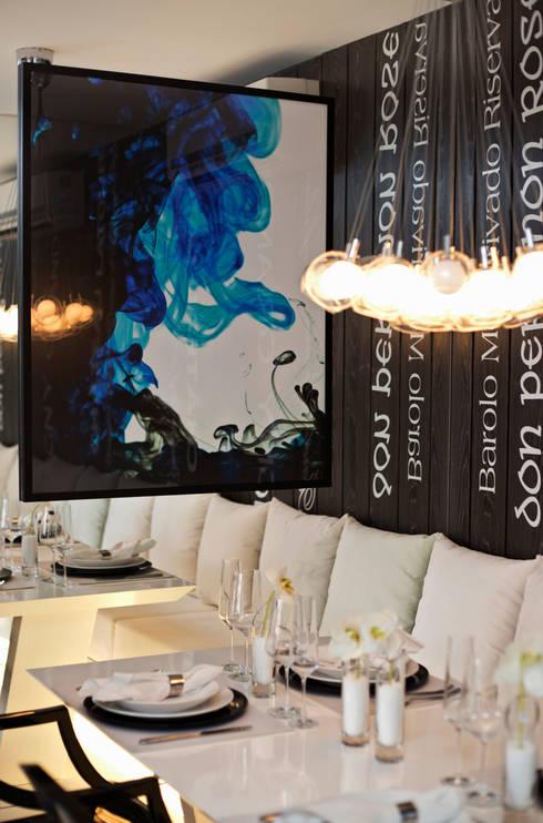 SETIN_MIDTOWM 42m²: Salas de jantar  por Chris Silveira & Arquitetos Associados