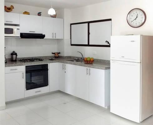 Cocinas b sicas de remodelar proyectos integrales homify for Componentes de una cocina integral