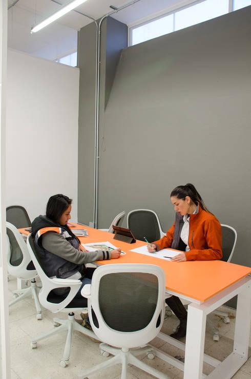 Oficina Arqmediastudio:  de estilo  por Oscar Hernández - Fotografía de Arquitectura