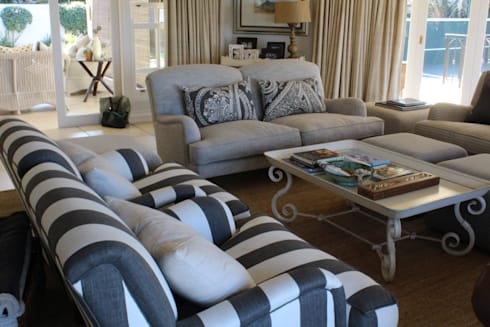 Living room in shades of grey: classic Living room by Finely Found It Interiors