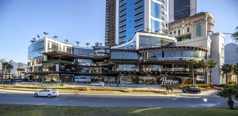 Sonora Grill Prime Monterrey: Bares y discotecas de estilo  por PASQUINEL Studio