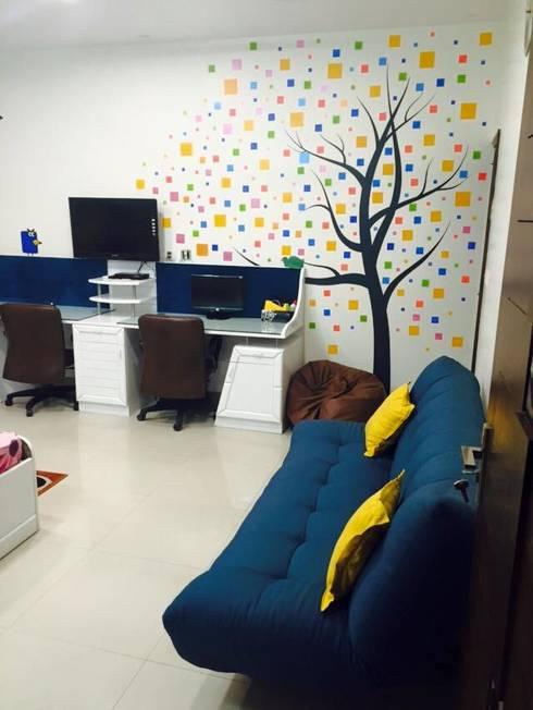 Residence interiors:  Nursery/kid's room by Akaar architects