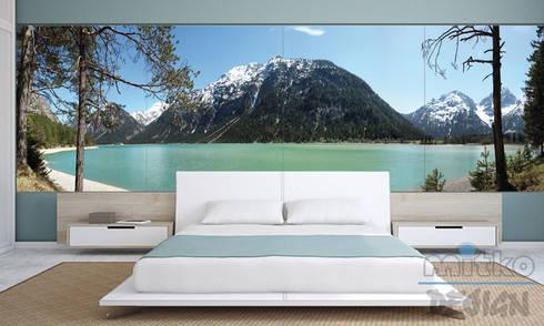 Schlafzimmer In Türkis Mit Passenden Glasbild: Moderne Schlafzimmer Von  Mitko Design